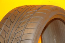 1 Used Tire 275/30/20 NITTO